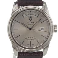 Tudor Glamour Date-Day - 56000